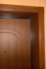Отделка между входными дверями – отделка дверных проемов изнутри после установки двери панелями из МДФ, ламинатом или штукатуркой