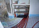 Теплый водяной пол своими руками видео – Как своими руками сделать теплый пол, электрический и водяной, в своем доме
